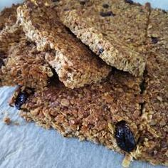 Σπιτικές μπάρες δημητριακών (granola) συνταγή από marilouthegreat - Cookpad Krispie Treats, Rice Krispies, Granola, Desserts, Food, Tailgate Desserts, Deserts, Essen, Postres