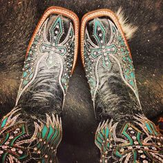 New Corral boots .I waaaaant these,. Be better if they were pointed though Cowgirl Style, Cowgirl Boots, Western Boots, Western Outfits, Riding Boots, Country Girl Style, Country Girls, My Style, Heeled Boots