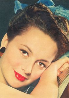 marthaivers:     Olivia de Havilland, 1940's