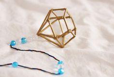 Diamant av tändstickor av Linnéa Elisabeth Bobby Pins, Hair Accessories, Beauty, Ideas, Diamond, Hair Pins, Thoughts, Hair Barrettes, Hair Accessory