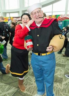 You're NEVER Too Old to Cosplay: Popeye and Olive Oyl at Emerald City Comic Con [Pic] Super Hero shirts, Gadgets & Accessories, Leggings, lovers Halloween Rave, Cool Halloween Costumes, Couple Halloween, Halloween Cosplay, Cosplay Costumes, Comic Con Costumes, Awesome Costumes, Halloween Photos, Epic Cosplay