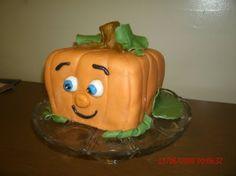 Spookley the Square Pumpkin Cake (SO CUTE!!)