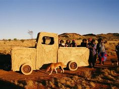 Tjanpi Desert Weavers: in 2005 20 women spent 3 weeks to create a weaved model of a Toyota. Measuring in at 4 x 2 m the work was entirely created out of raffia, grass, jute string, chicken wire and steel! Aboriginal Culture, Aboriginal Art, Weavers Art, European Map, Fibre And Fabric, Desert Art, Gypsy Wagon, Weaving Projects, Textiles