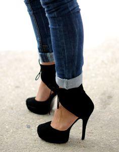 Gucci Ankle Tie Black Heels❤