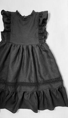 Vintage Girls Dresses, Little Girl Dresses, Flower Girl Dresses, Dress Vintage, Vintage Linen, Toddler Dress, Baby Dress, Dress Anak, Baby Frocks Designs