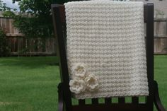 Crochet Baby Blanket with Flowers