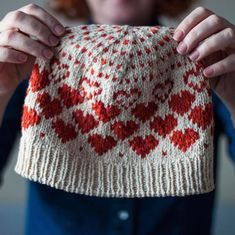 If you want to knit a last minute gift for your sweetheart has released this lovely hat knitted using The Fibre Co. Knitting Patterns, Crochet Patterns, Pippi Longstocking, Cute Hats, Last Minute Gifts, Valentine Heart, Colourful Outfits, Stitch Design, Mittens