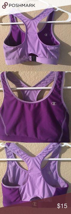 Champion Sports Bra NWOT its reversible. It's a medium/small Champion Intimates & Sleepwear Shapewear