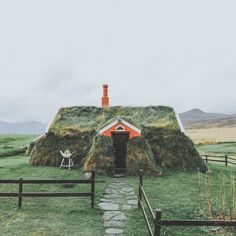 Quaint Turf House in Iceland Looks Like It's Rising Up from the Earth Barrow House, Norway House, Earth Bag Homes, Hits Close To Home, Eco Garden, Eco Architecture, Tim Beta, Nyc, Backpacking Europe