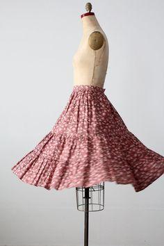 vintage 70s floral skirt / peasant skirt