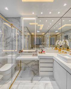 Small Bathroom With Shower, Modern Bathroom, Luxury Apartments, Luxury Homes, Casa Feng Shui, Baths Interior, Bathroom Design Luxury, Luxury Bath, Bathroom Layout