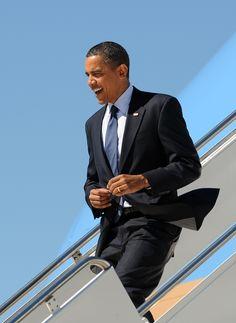L'amour est compliqué - iknowwhythesongbirdsings:   gq:  Barack Obama's 44...