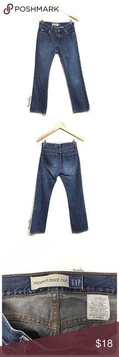 """GAP modern boot cut jeans PRELOVED in excellent condition, worn once. medium blue wash.   details ∙ 0 ankle ∙ 13"""" waist ∙ 36"""" length ∙ 27"""" inseam ∙ 7"""" leg width  materials ∙ 100% cotton  due to lighting- color of actual item may vary slightly from photos.  please don't hesitate to ask questions. happy POSHing 😊  💰 use offer feature to negotiate price on single item 🚫 i do not trade or take any transactions off poshmark GAP Jeans"""