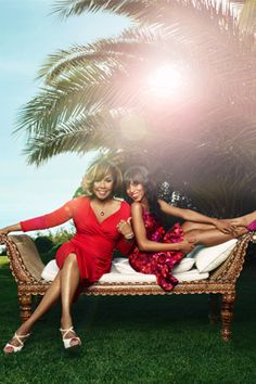 Diahann Carrol and Kerry Washington - the first black woman lead in prime time tv passes the torch - 40 years later. Now if Olivia Pope's mother ever comes to town for a visit, do we even need to ask who Shonda should cast?