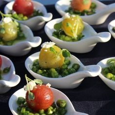 @thewaterissmiling Tomatoes and asparagus in a beautiful way.