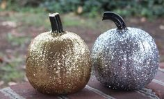 Glitter Halloween pumpkins by The Rabens Family