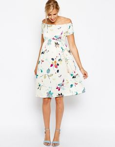 Head-turning maternity party dresses | BabyCentre Blog