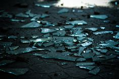 Broken glass - Rapunzel or Snow White