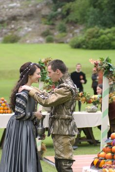 Natalie Dormer and Jonathan Rhys Meyers in The Tudors Season 1
