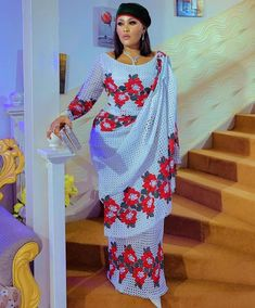 Best African Dresses, Latest African Fashion Dresses, African Print Fashion, African Attire, Wedding Dress Sleeves, Family Outfits, Aichi, Pretty Dresses, Designer Dresses