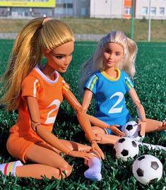 Vintage Barbie Clothes, Doll Clothes Barbie, Dress Up Dolls, Barbie Life, Barbie House, Barbie Stories, Barbie Summer, Barbies Pics, Barbie Fashionista Dolls