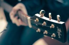 Beginner Guitar Tips Watches Electric Guitar Lessons Videos Electric Guitar Lessons, Acoustic Guitar Lessons, Guitar Tips, Guitar Chords, Acoustic Guitars, Music Institute, Easy Guitar Songs, Online Guitar Lessons, Guitar Scales