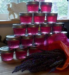 I've been looking in every stores for Lavender Jelly without success.  I will give this homemade recipe a try.