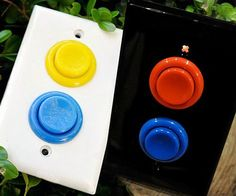 gamer room Convert your boring home light switches to these nostalgic arcade style light switches. These arcade light switches are great for game rooms or kids rooms, but look especially gr Hm Deco, Deco Cool, Nerd Room, Gamer Room, Sala Nerd, Arcade Buttons, Game Buttons, Lan Party, Arcade Room
