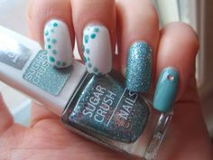 Gina Tricot White, Kicks Nail Lacquer Botanica, OPI I Snow You Love Me, IsaDora Turquoise Crush, Color Club Abyss