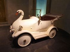 """1920 Cygnet """"The Baby Swan Car"""" (Hindistan) (konsept) Weird Cars, Cool Cars, Crazy Cars, Tricycle, Antique Toys, Vintage Toys, Baby Swan, Buy Classic Cars, Kids Ride On"""