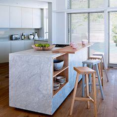 Une cuisine entre bois et marbre blanc pour de la douceur, cuisine, kitchen , home, cuisine bois, décoration cuisine