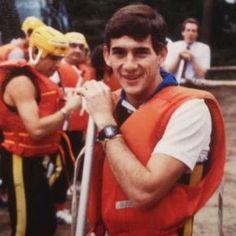 Mostra reúne imagens inéditas e raras de Ayrton Senna