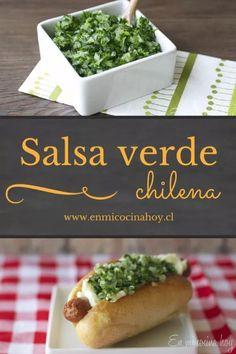 Deliciosa y sencilla receta de Salsa verde chilena. Para acompañar completos, asados y comida chilena en general. #salsaverde #recetachilena