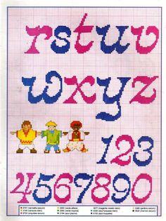 Graficos Ponto Cruz Abecedário (Amor) - A Minha Esfera Cross Stitch Alphabet, Cross Stitch Patterns, Canvas Wall Decor, Lettering Tutorial, Arts And Crafts Movement, Needlepoint, Kids Rugs, Letters, Abc 8