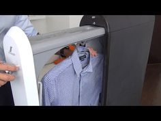 (FoldiMate) The gadget that can fold your laundry perfectly with robot arms - YouTube