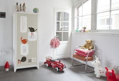 Customiser ses meubles Ikea avec des stickers