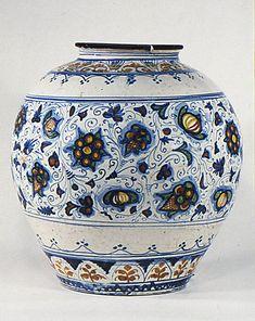 Jar late 16th century Culture:Italian (Sciacca, probably) Medium: Maiolica (tin-enameled earthenware)