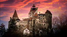 Romanian Castles, Vampire Film, Dracula Castle, Visit Romania, Transylvania Romania, Medieval Fortress, Most Haunted, Beautiful Places To Visit, Amazing Places