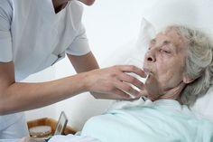 Ethikrat kritisiert Kliniken: Gespart wird am Patientenwohl. Lesen Sie zum Thema den Bericht im Seniorenblog: http://der-seniorenblog.de/senioren-news-2senioren-nachrichten/ . Bild: fotolia