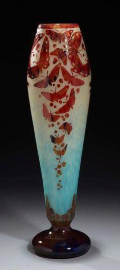 Art Nouveau Butterfly - Vase by Schneider (Le verre français) circa 1925 - H. 55 cm - Millon & Associés April 24, 2013