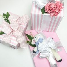 Mary had a little lamb and your little girl should have one too. Birthday Wrapping Ideas, Baby Gift Wrapping, Baby Shower Wrapping, Creative Gift Wrapping, Baby Shower Gifts, Birthday Ideas, First Birthday Gifts, Birthday Gifts For Girls, Birthday Parties