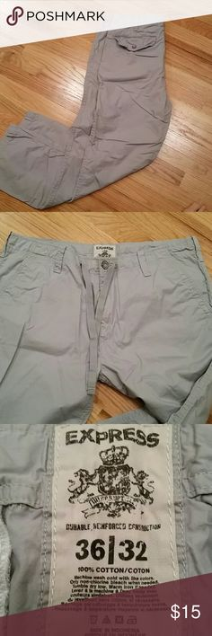 MEN'S chinos Grey Express Men's chinos. Side pockets back flap pockets and drawstring on waist. Excellent condition - I'm not sure my husband ever actually wore these :-( Express Pants Chinos & Khakis