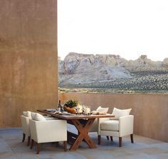 "3,798 mentions J'aime, 28 commentaires - Ralph Lauren Home (@ralphlaurenhome) sur Instagram : ""Soft desert light over the rugged landscape creates an awe-inspiring setting for outdoor dining"""
