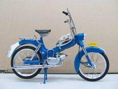 Tomos 3L blauw   Motoren en bromfietsen   Modelbouw Wildervank Prijs € 59,95 http://www.modelbouwwildervank.nl/a-38762757/motoren-en-bromfietsen/tomos-3l-blauw/