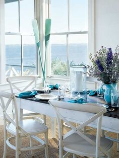 Coastal dining area with a beautiful view | Metro Quadrado     ᘡղbᘠ