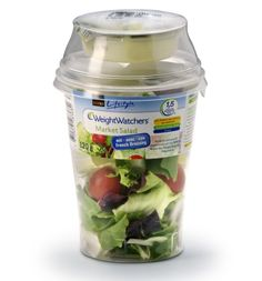 Packaging Europe News - Convenient, fresh and healthy: Salad from the cup Salad Packaging, Smart Packaging, Salad Dressing Container, Salad In A Jar, Food Branding, Food Packaging Design, Salad Shop, Vegetable Packaging, Healthy Cafe