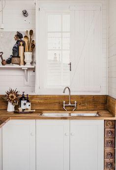 white + wood kitchen design