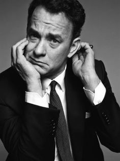 Tom Hanks -One of the most talented Actors of our generation. Truth is, I forget about all of his movies as each character he portrays become an individual of their own. Tom Hanks disappears when he steps on the screen. Forrest Gump, Tom Hanks, Foto Face, Actrices Hollywood, Celebrity Portraits, Famous Portraits, Celebs, Celebrities, Best Actor