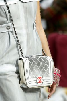 Chanel Spring 2014 Ready-to-Wear Fashion Show Details