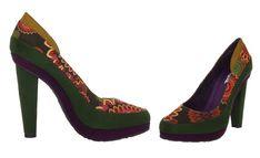 #Desigual Schuhe Pumps - Modell Melbourne. Muster: Mandala, grün. Material: Wildleder.